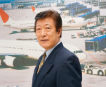 エアライン科講師 元日本航空キャビンアテンダント